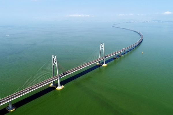 Xi urges Shenzhen to boost construction of Guangdong-Hong Kong-Macao Greater Bay Area